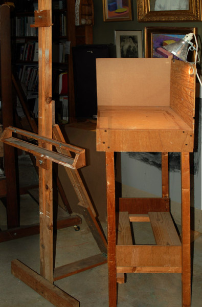 1- Easel and Stand e